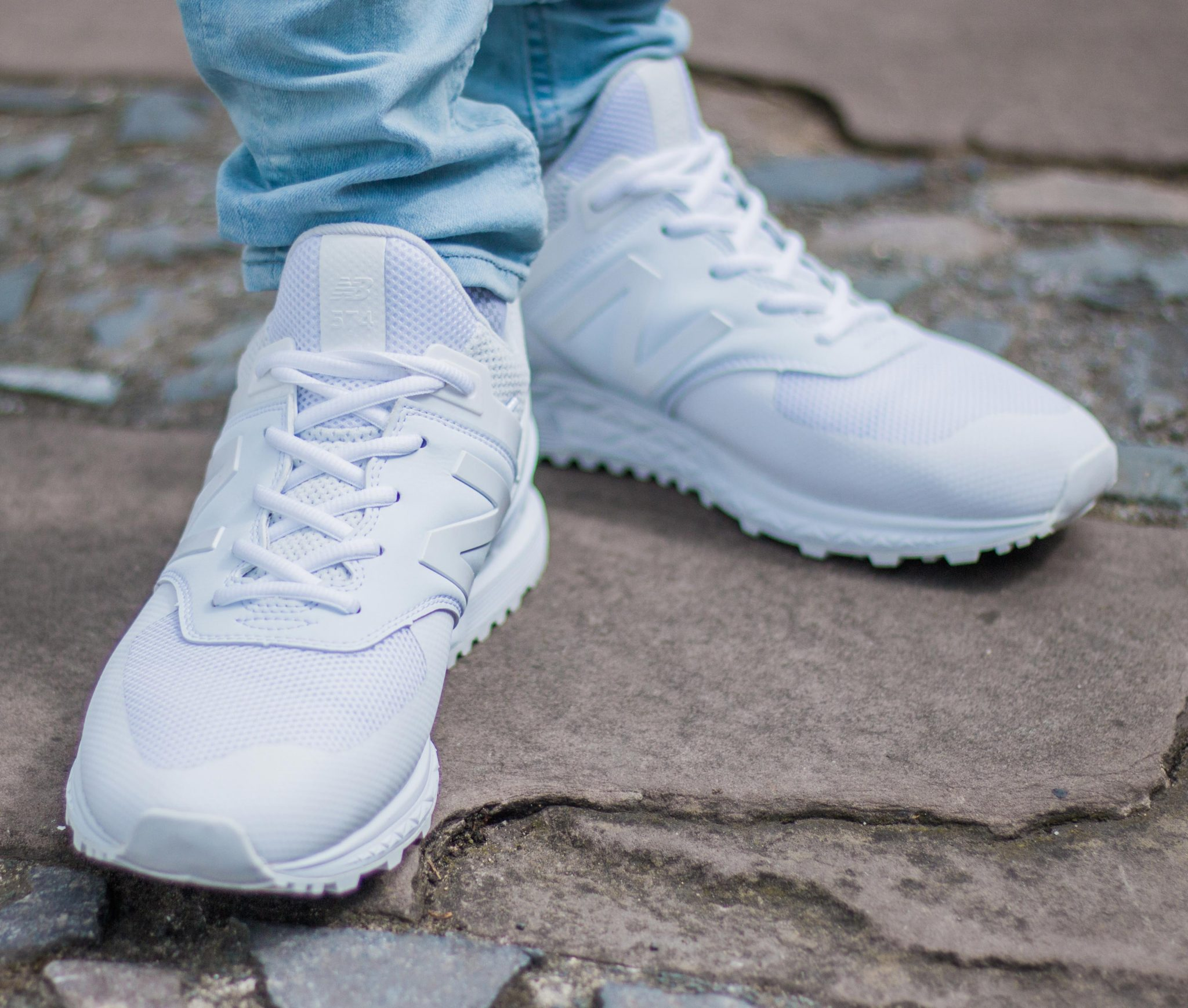 Balance Collections The New Feet White 574s On vnPwwTqdf